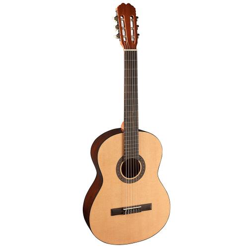 Admira Sara Klassinen kitara