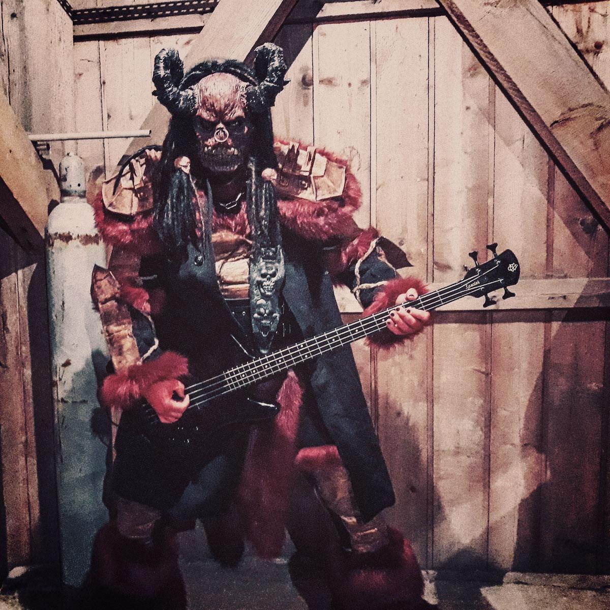 Mr. Ox - Lordi - Spector bassot